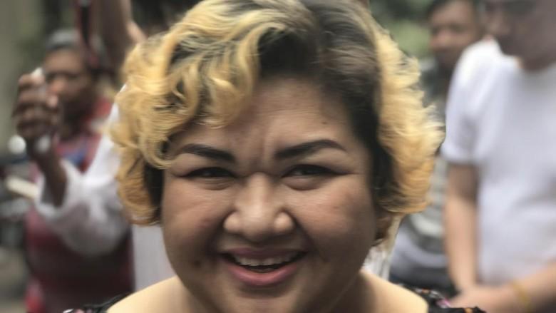 Dilimpahkan ke Kejati DKI Jakarta, Pretty Asmara Dites Kesehatan