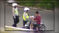 (Update) Lagi Ngapain Nih Pak Polisi Cegat Pemotor?