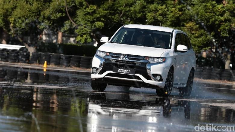 Test Drive Mitsubishi Outlander PHEV (Foto: Mitsubishi)