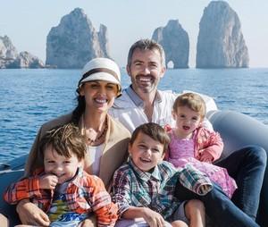 Inspiratif! Keluarga 3 Anak Ini Jual Rumah untuk Traveling
