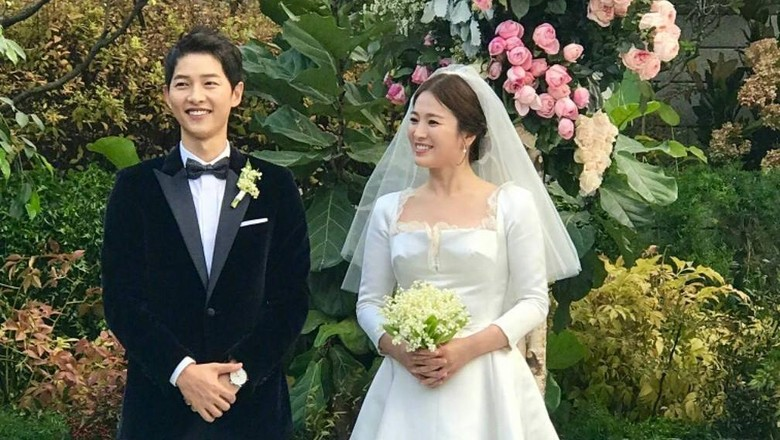 Dramatis! Foto Prewedding Song Joong Ki dan Song Hye Kyo