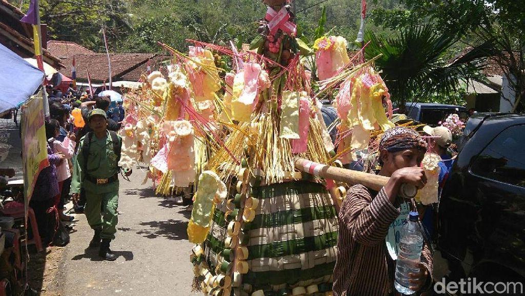 Uniknya Festival Jolenan Somongari di Purworejo