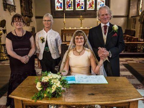 Cinta Tak Direstui dan Terpisah 40 Tahun, Pasangan Ini Akhirnya Menikah