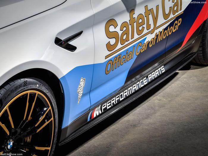 BMW masih menjadi penyedia safety car untuk MotoGP 2018. Pabrikan asal Jerman itu sudah bekerjasama dengan MotoGP sejak 1999. (netcarshow)