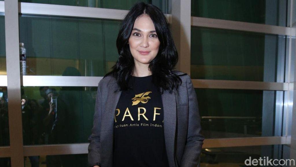 Sering Nyetir Sendiri, Luna Maya Hafal Jalanan Jakarta