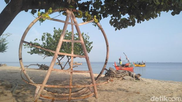 Pantai Wates Rembang.