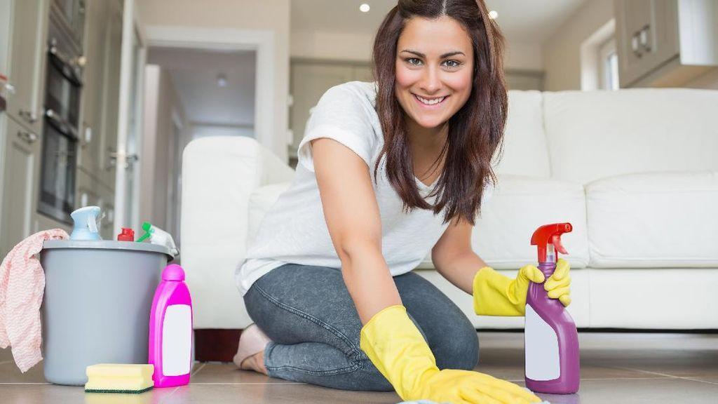 Menurut Studi, Rajin Bersih-bersih Rumah Bisa Membuatmu Lebih Panjang Umur