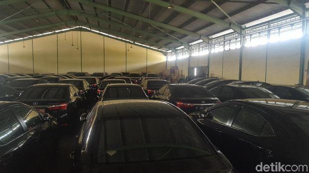 Mobil dinas anggota DPRD DKI Jakarta yang dikembalikan kini berada Pusat Penyimpanan Barang Daerah Badan Pengelola Keuangan dan Aset Daerah (BPKAD)