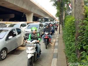 Macet Bikin Warga Jakarta Jadi Raja Telat