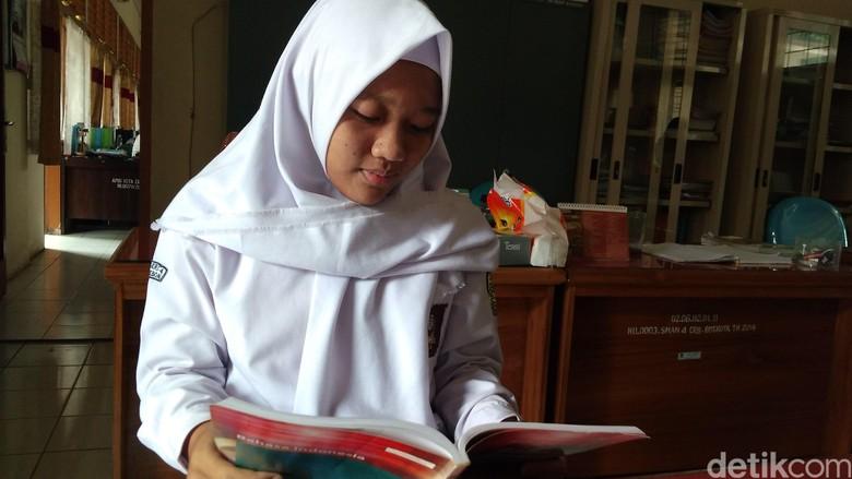 Unik! Siswi SMAN 4 Cirebon Ini Bernama Presiden Fadilla Cantik