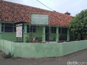 Pasutri Cirebon Sisihkan Gaji untuk Kelola Mandiri Madrasah
