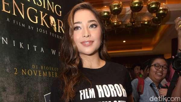 Premiere Film Gasing Tengkorak, Nikita Willy tampil Serba Hitam