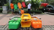 Penambahan Tong Sampah Warna-warni