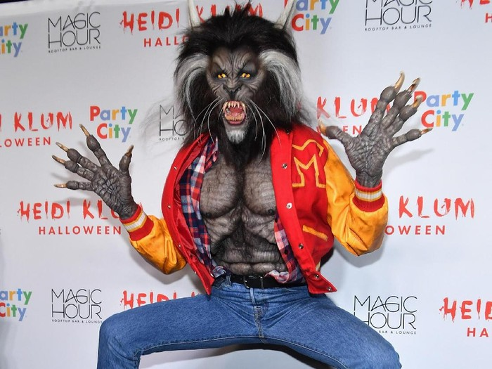 Kostum Heidi Klum di Pesta Halloween 2017. (Foto: Getty Images)