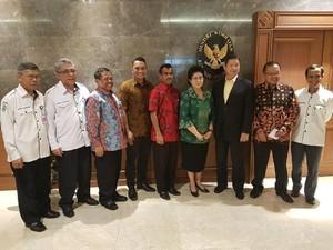 Bahas Revolusi Putih dengan Menkes, Adik Prabowo: Tujuan Kita Sama