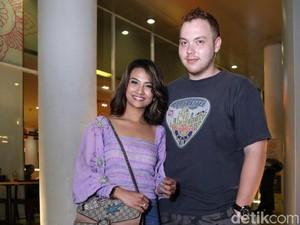 <i>Dear</i> Didi Soekarno, Ini Pria yang Jaga Vanessa Angel Sekarang