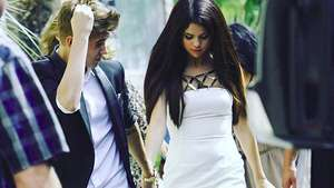 Pilih Mana, Selena Gomez dengan The Weeknd atau Justin Bieber?