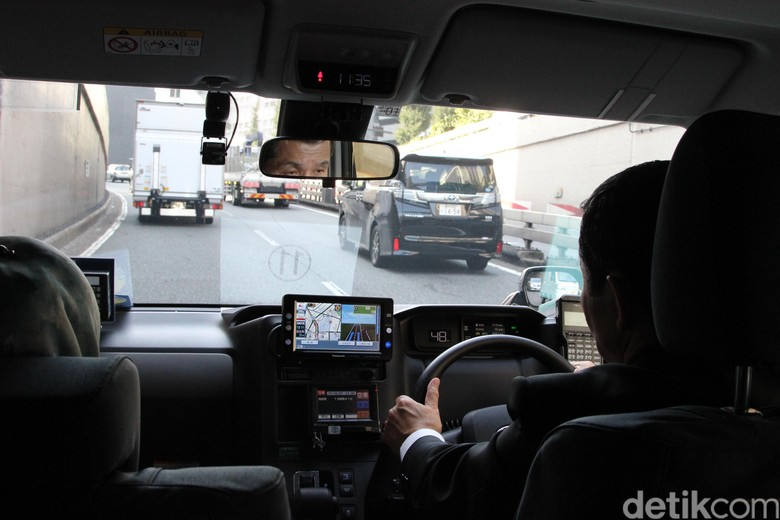 Berkendara di Jepang. Foto: Rangga Rahadiansyah