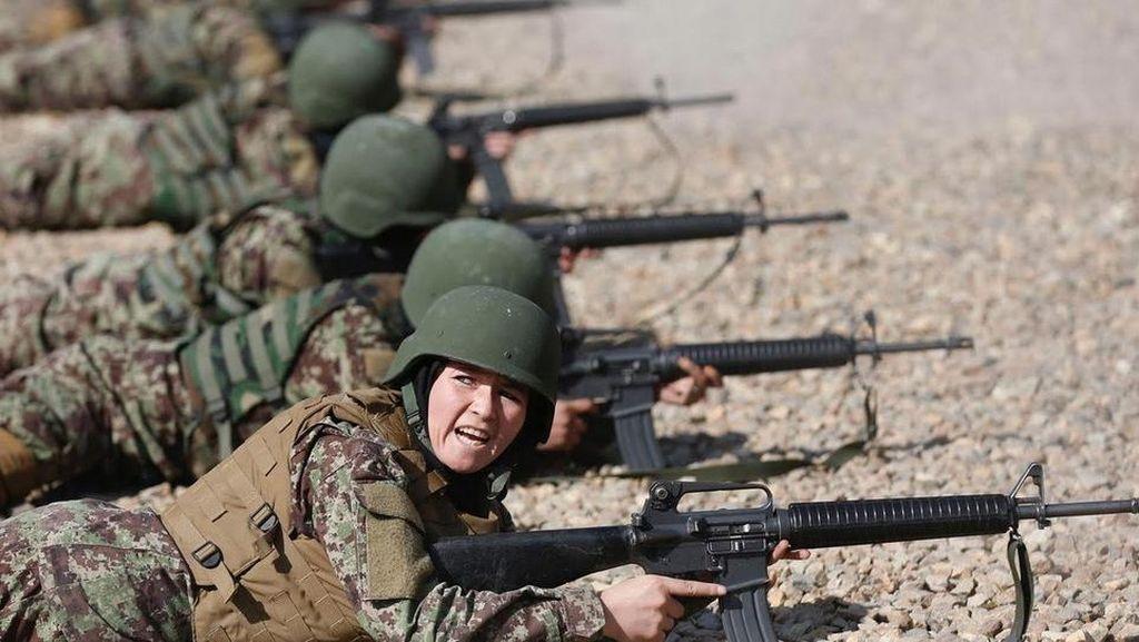 Seperti Ini Latihannya Tentara Perempuan di Afghanistan
