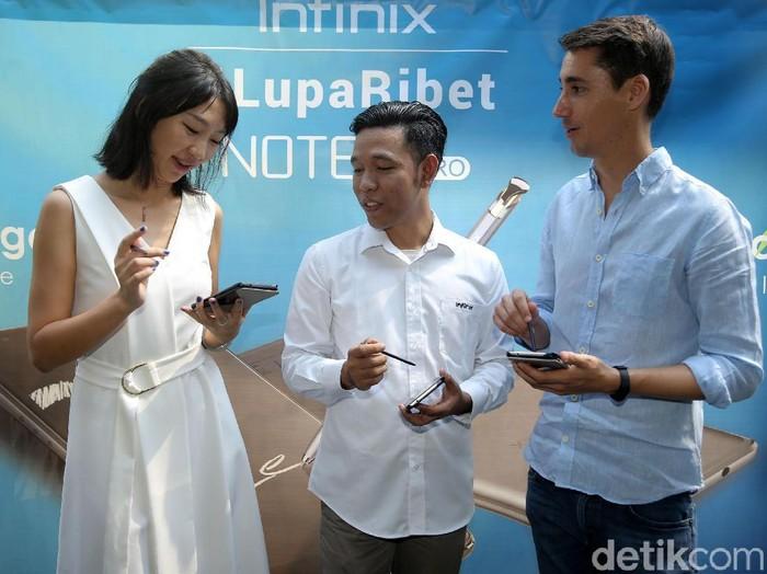 Duri Granziol, co-CEO Lazada Indonesia (kanan). Foto: detikINET/Agung Prambudhy