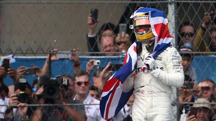 Mampukah Lewis Hamilton menyamai rekor Michael Schumacher? (Edgard Garrido/Reuters)
