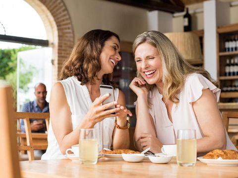 Ini Batasan Jumlah Teman Dekat yang Perlu Kamu Punya untuk Bahagia