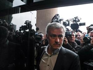 Mourinho Penuhi Panggilan Pengadilan, Sebut Kasus Pajaknya Sudah Selesai
