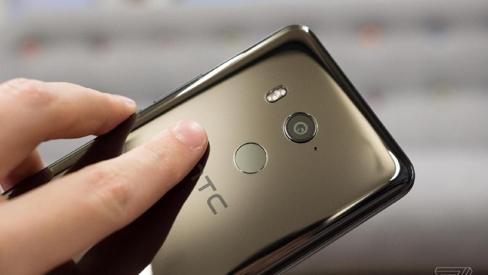 Ponsel HTC. Foto: The Verge