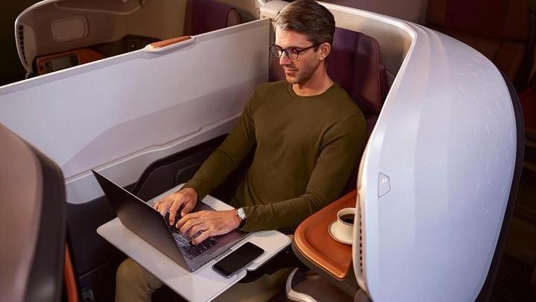 Singapore Airlines baru saja merilis layanan Airbus A380 dengan jumlah kursi yang minim. Kursi dikurangi, tapi sekarang ada kasur dan kamar, seperti hotel di angkasa.