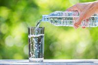 Waduh! Pria Ini Harus Minum 20 Liter Air Tiap Hari Agar Tetap Hidup