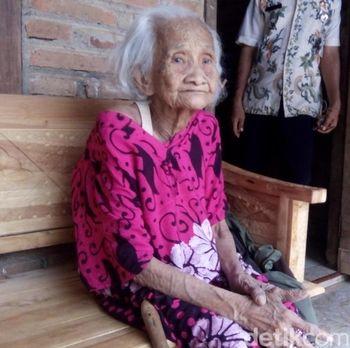 Resep Awet Sehat dan Tajam Ingatan dari Mbah Meri di Jepara