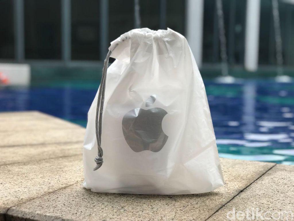 Kemasan saat membeli iPhone X di Apple Store. Foto: Adi Fida Rahman/detikINET