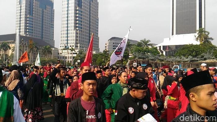 Foto: Brigade Jawara Betawi Rayakan Milad di Monas (Sams-detikcom)