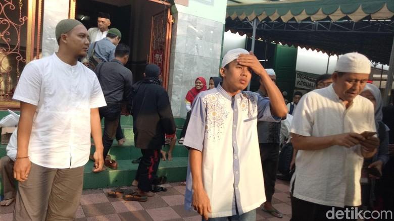 Usai Dengarkan Ceramah Habib Rizieq, Jemaah Jalan Kaki ke Monas
