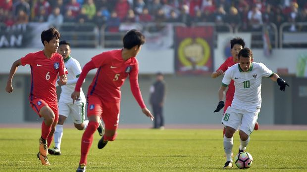 Egy Maulana Vikri mendapat kesempatan bermain ketika Timnas Indonesia U-23 menghadapi timnas Singapura U-23.