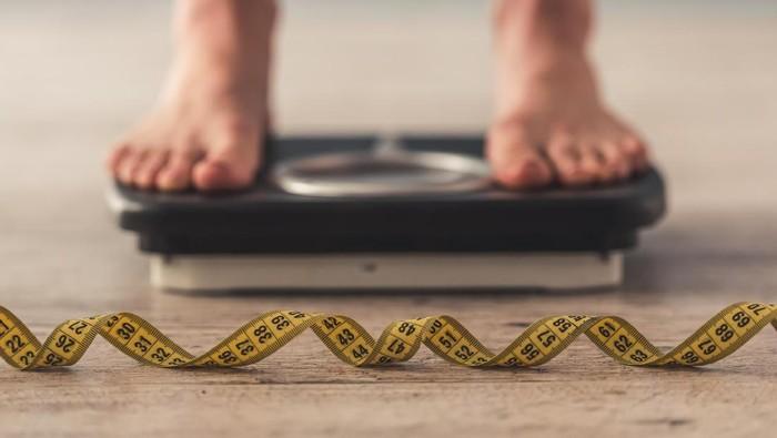 Pasien yang memiliki kondisi obesitas, diabetes, dan kolesterol tinggi sering juga mengalami peningkatan asam urat dalam darah mereka, kata Herbert S.B. Baraf, MD, profesor pengobatan klinis di George Washington University. (foto: ilustrasi/thinkstock)