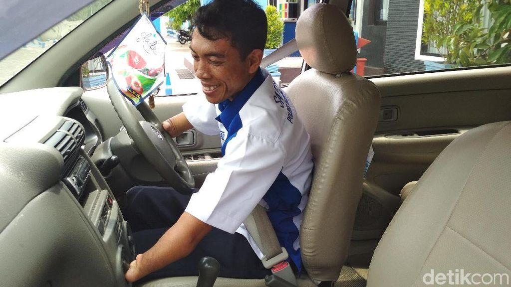 Kenalkan Subandi, Difabel Penguji Praktik SIM Polres Trenggalek