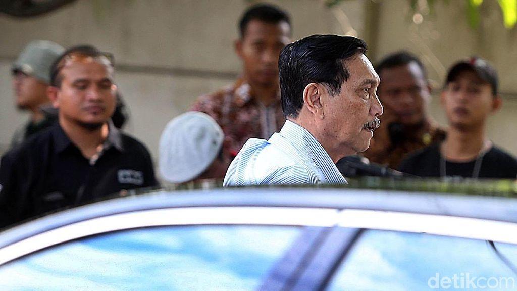 Jokowi Diminta Pangkas Aturan, Luhut: 72 UU Lama Diharmonisasi