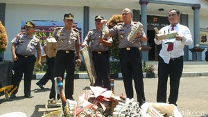Bogor Jadi Sentra Pembuatan Petasan, Polisi Gencarkan Razia