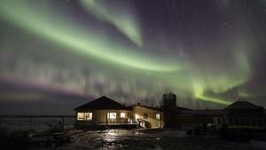 <i>Speechless!</i> 7 Hotel Berpemandangan Aurora Cantik