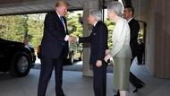 Beda dengan Obama, Trump Menyapa Kaisar Jepang Tanpa Membungkuk