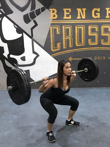 Nadya Mulya juga tengah menekuni olahraga crossfit