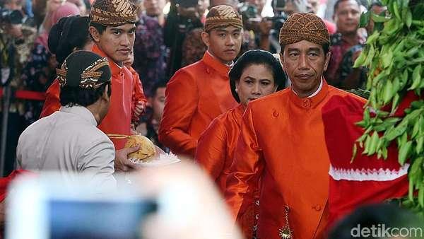 Ke Acara Jokowi Mantu, Pejabat Pusat dan Daerah Sewa Mobil Ini