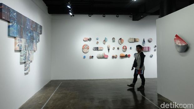 Radhinal Indra Bicara Perspektif Kosmik pada Publik Lewat Karya Seni