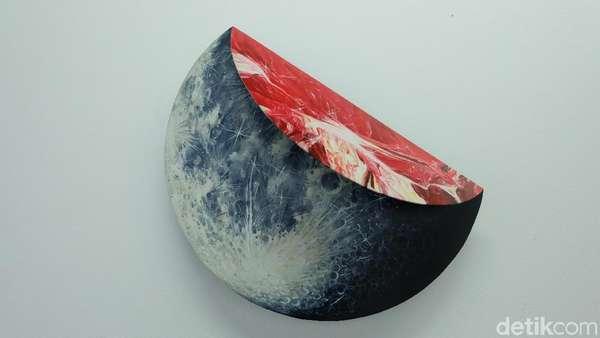 Apa Jadinya Seni Bercampur Astronomi? Intip Karya-karya Radhinal Indra
