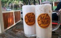 Kafe susu yang bisa Anda kunjungi di Solo namanya Mom Milk.