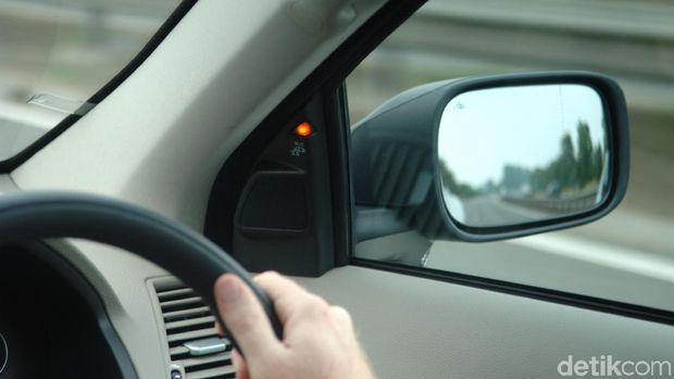 Sensor blind spot di mobil Volvo