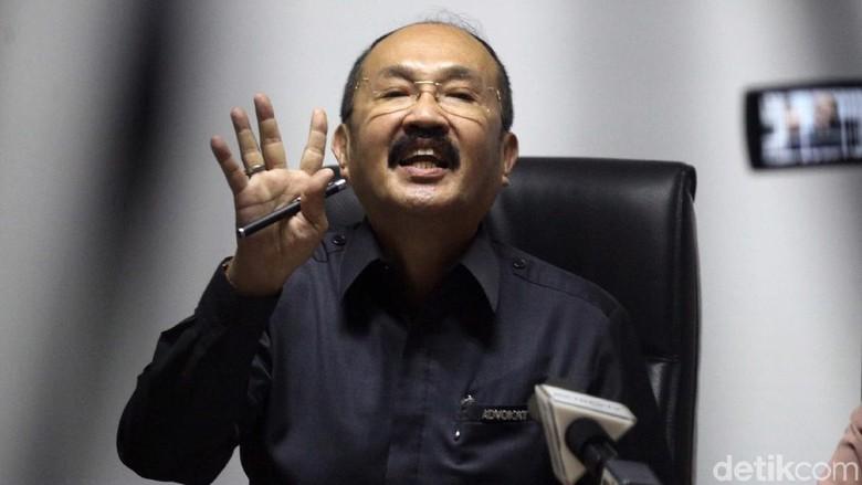 Novanto Diperiksa KPK, Pengacara: Saya Tidak Tahu Hadir atau Tidak