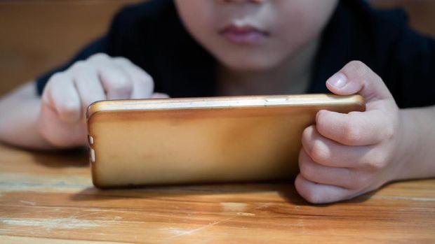 Kenali Popcorn Brain, Kondisi pada Otak Anak Akibat Keseringan Main Gadget