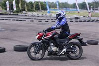 Riding All New Vixion